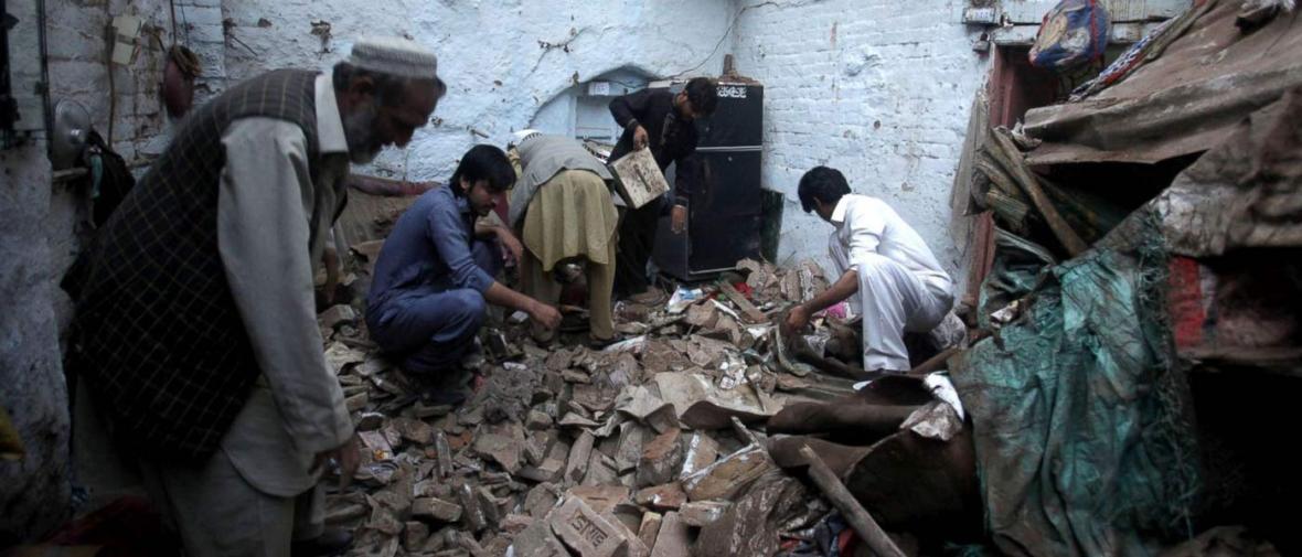 پیامد های زمین لرزه افغانستان و پاکستان به روایت تصویر