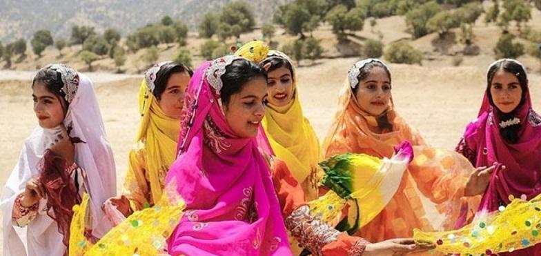 روز ملی لباس های محلی ایرانی در تقویم رسمی ایران جایی ندارد